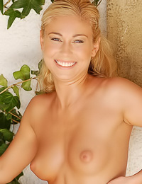 Renee A: Smiling blonde chick Renee A takes her dress outdoors and exposes every inch of her curvy body.